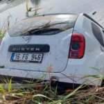 Bursa Karacabey'de çaldıkları otomobili dereye attılar