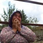 Evi, ahırı ve samanlığı yanan kadın gözyaşlarını tutamadı