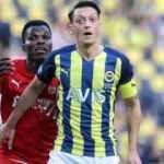Mesut Özil iddiaları üzerine F.Bahçe'den açıklama!