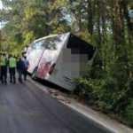 Otobüs uçurumun ucunda! Faciaya ramak kala