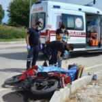 Otomobille çarpışan motosikletin sürücüsü öldü, eşi yaralı