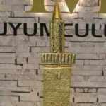 Tarihi 4 ayaklı minarenin minyatürünü altından yaptılar