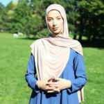 Müslüman kadına ırkçı saldırı: Türkiye'ye def ol git