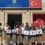 Azeri öğrencilerden Türkiye'ye fidan bağışı