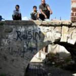 Edirne'nin kayıp köprüsü, evlerin arasında kaderine terk edildi