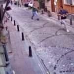Fatih'te silahlı saldırgan dehşet saçtı! O anlar kamerada