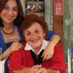 Gezgin kızını özlediği için Hindistan'a giden 70 yaşındaki bir annenin kitabı