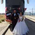 Vatman çiftin gelin arabası tramvay oldu