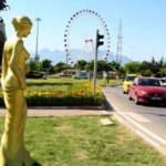 CHP heykele doymuyor: Altın Portakal Film Festivali için 58 Venüs heykeli yerini aldı
