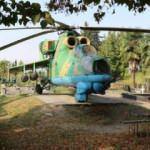 Gürcü pilotun mezarının başında 28 yıldır savaş helikopteri duruyor