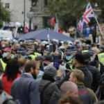 İngiltere'de Başbakan Jhonson ve Brexit karşıtlarından büyük eylem
