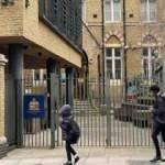 İngiltere'deki yakıt krizi okulları alarma geçirdi