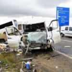 Yolcu otobüsüyle minibüs çarpıştı: Yaralılar var