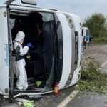 Son dakika haberi: MHP toplantısına giden midibüs kaza yaptı, 2 ölü 14 yaralı var