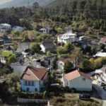 Bu köydeki ev fiyatları lüks semtlerle yarışıyor