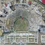 Bursa İznik'teki Roma Tiyatrosu'nda çini atölyesi bulundu