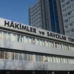 HSK'dan 13 hakim ve savcıya FETÖ irtibatı nedeniyle meslekten ihraç