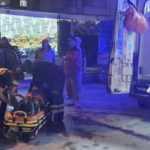 Osmaniye'de savrulan otomobil aydınlatma direğine çarptı: 3 yaralı