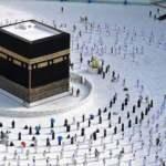 Suudi Arabistan'dan Umre kararı: 2 doz aşılıya izin var