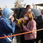Başkan Fatma Şahin yenilenen yolun açılışında çocuklarda kurdele kesti