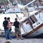 Bodrum'da bir tekne kuvvetli rüzgar nedeniyle karaya oturdu