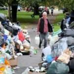 İngiltere'de grev! Çöp dağları oluştu
