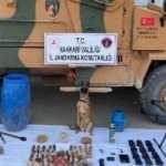 Son dakika: PYD/YPG'ye verilen TIR dolusu silahlar ele geçirildi!