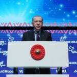 Cumhurbaşkanı Erdoğan'dan sosyal medya uyarısı: Milli güvenlik meselesi haline geldi