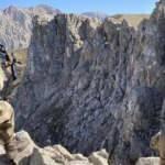 Erzincan'da teröristlere darbe: Mağara, sığınak ve depolar imha edildi