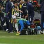 Mesut Özil oyundan alınınca çılgına döndü! Şok tepki
