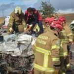 Otomobil ile minibüs kafa kafaya çarpıştı: Sürücüler hayatını kaybetti