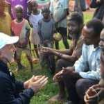 Su kuyusu açan hayırseverleri gören Ugandalı böyle Müslüman oldu