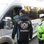 Kadıköy'de korsan öğrenci servisi yakalandı