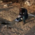 Tokatlı çiftçi traktörünün tekerinin düştüğü çukurda insan kemikleri buldu