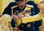 Brunei Sultanı oğlunu evlendirdi