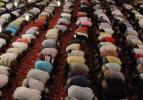 Teravih namazı, bin 14 camide hatimle kılınıyor