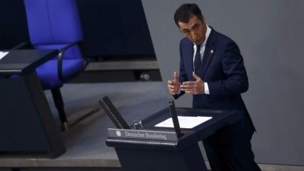 Alman Parlamentosunda Cem Özdemir haddini aştı