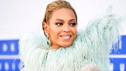 Beyonce ikizlerinin yüzünü ilk kez gösterdi