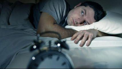 Uykuya dalamama depresyon belirtisi olabilir!