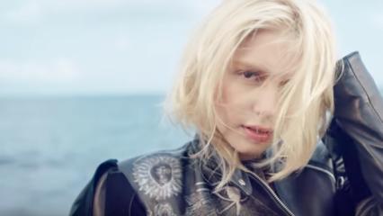 Aleyna Tilki 'Yalnız Çiçek' şarkısına klip çekti