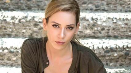 """Sinem Kobal'dan """"Romantik Komedi 3"""" açıklaması"""