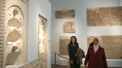 Emine Erdoğan Bergama Müzesini gezdi