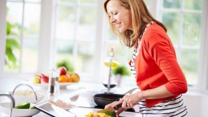 Çalışan kadınlar için pratik ana yemek tarifleri!