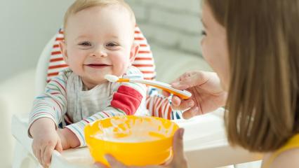 Bebekler için evde kolay bebek maması tarifleri! 5 dakikada yapılan doyurucu mama yapımı