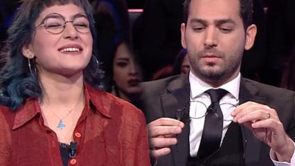 Sunucu Murat Yıldırım yarışmacının taktığı gözlüğe şaşırdı!