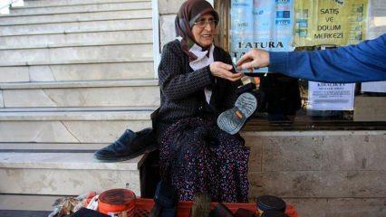 Malatya'da 18 yıldır ayakkabıcılık yapan Sabriye Teyze!