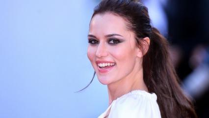 Fahriye Evcen dünyanın en güzel 30 kadını arasında gösterildi