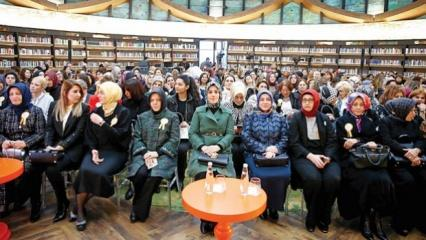 Esra Albayrak '3. İz Bırakan Kadınlar Zirvesi'nde konuştu