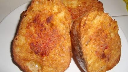 En kolay yumurtalı ekmek tarifi