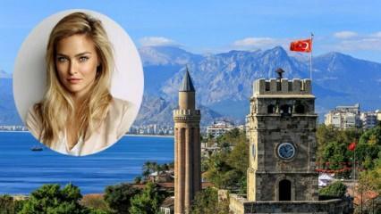 Dünyaca ünlü model Bar Refaeli Türkiye'ye geliyor!